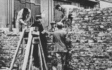 The wall of ghetto in warsaw building on nazi german order august 1940 e1542216107441